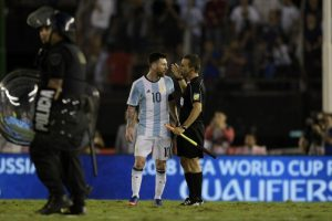 'La conch…': Lionel Messi lanzó duros insultos a los árbitros, pero no recibió sanción