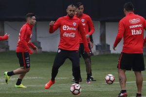 Arturo Vidal comandó el primer entrenamiento de la Roja de cara al duelo ante Venezuela