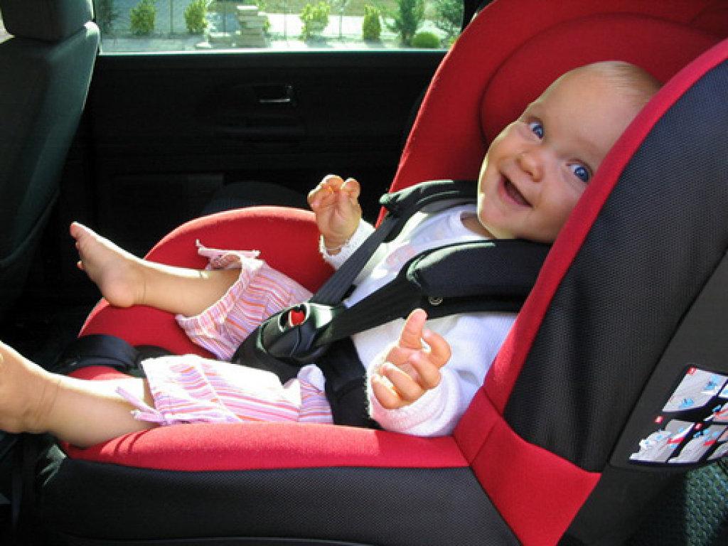 Ley de la silla qu hacer cuando tienes tres hijos for Sillas para guaguas