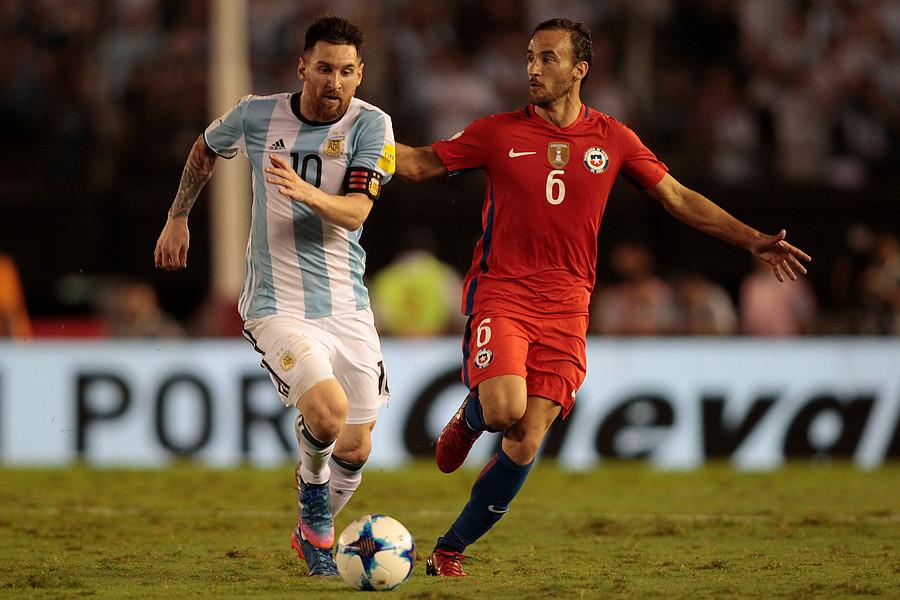 José Pedro Fuenzalida fue titular ante Argentina y estuvo en la banca ante Venezuela / Photosport