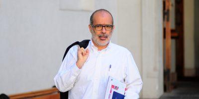 Gobierno condenó agresión a ministro Valdés en el centro de Santiago