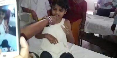 Hallan a niña viviendo con monos en bosque de India