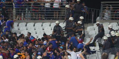 Determinan que aficionados chilenos involucrados en desmanes abandonen Brasil en 48 horas