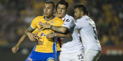 Tigres golea a Chivas, se mantiene en Liguilla