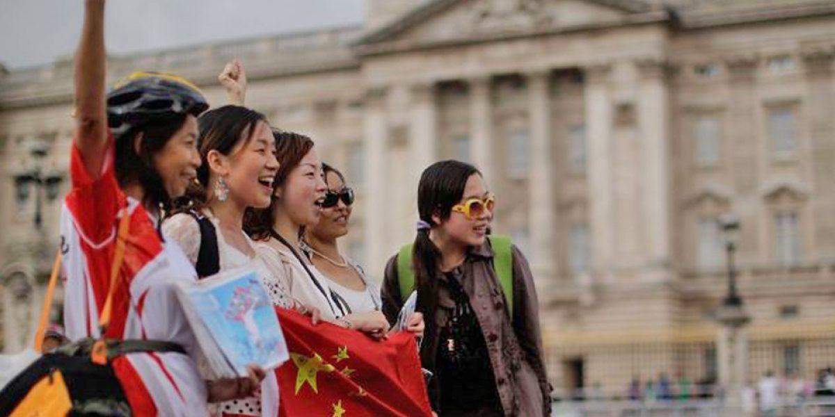 Turistas chinos vuelven a liderar el gasto en países extranjeros