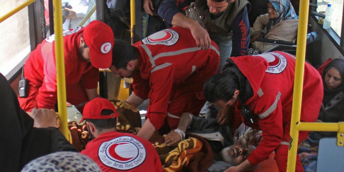 Siria: Aumentan a 43 los fallecidos tras explosión de un coche bomba contra evacuados en Alepo