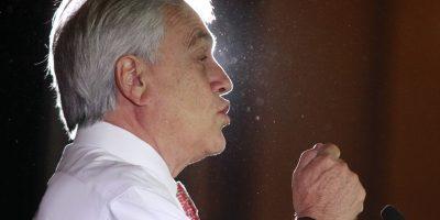 Detienen a joven por escupir agua a ex presidente Sebastián Piñera en Arica