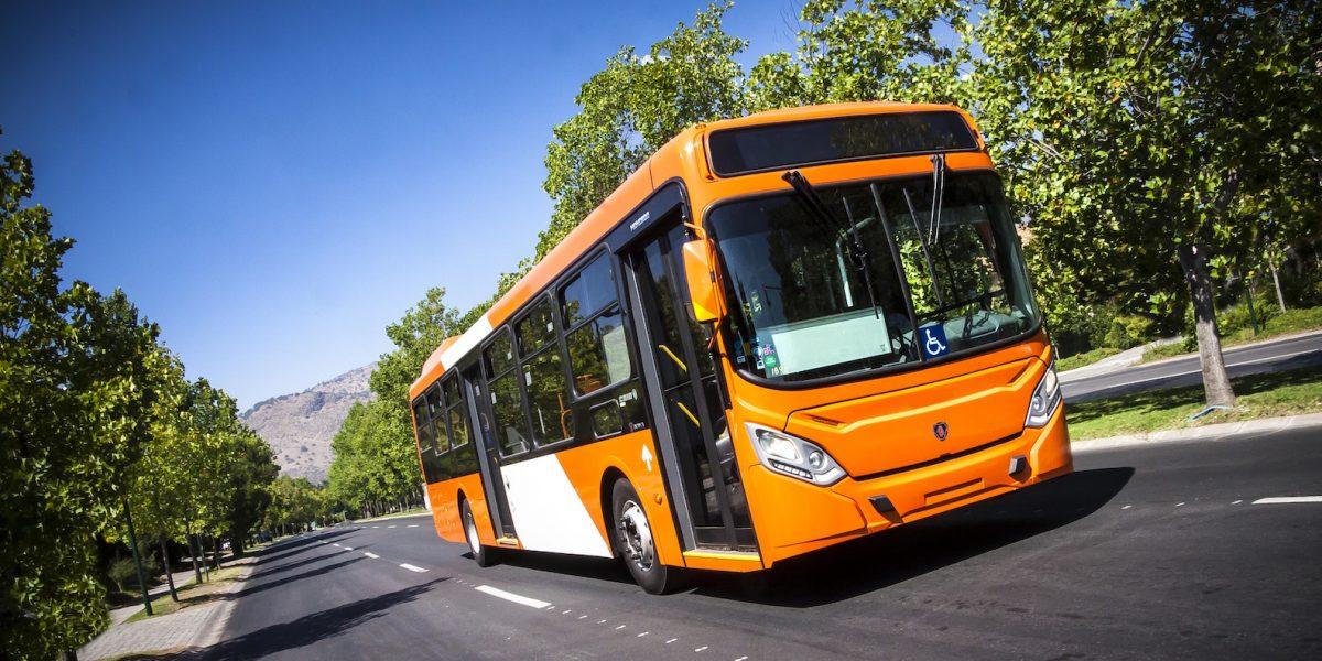 Presentan buses sustentables para Transantiago