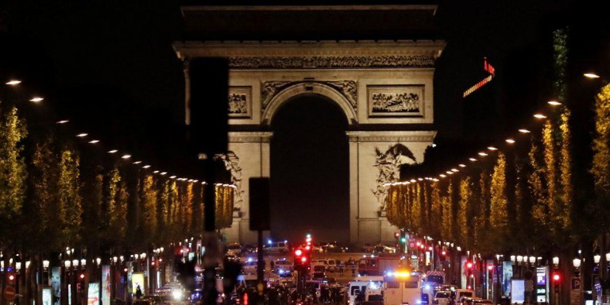 Un policía muerto y otro herido en tiroteo en Campos Elíseos de París