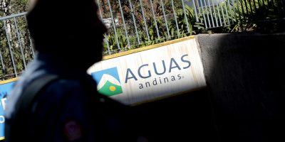 Otra vez: Sernac pidió explicaciones a Aguas Andinas por corte de agua