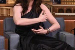 'Me odiaba intensamente': Anne Hathaway habla sobre su cuerpo