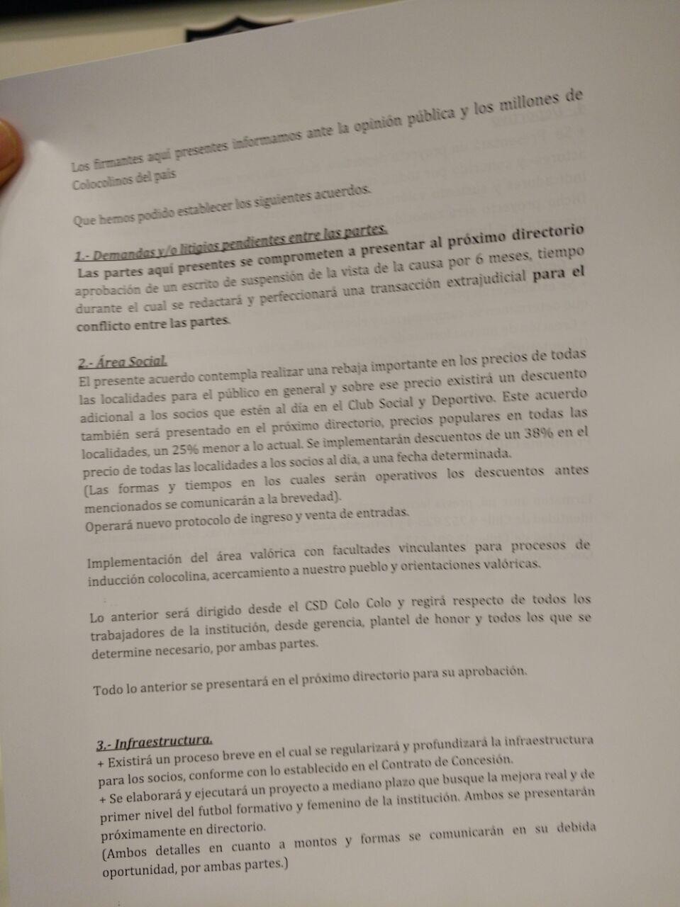 Los acuerdos firmados por Mosa y el Club Social y Deportivo Colo Colo / imagen: Pedro Marín Roldán
