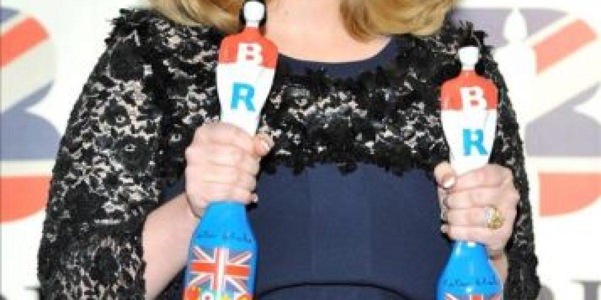 Una radiante Adele se convierte en protagonista de los Brit con su álbum