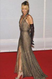 La cantante Rihanna llega a los premios Brit de la música se entregan en una gala en Londres. EFE
