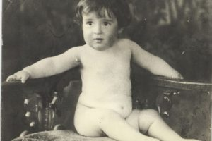 Roberto Gómez Bolaños a los 8 meses Foto:Tomada de perfil de Twitter