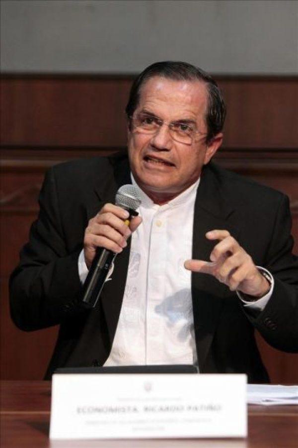 El canciller ecuatoriano, Ricardo Patiño, habla en una rueda de prensa este 22 de febrero, en el Palacio presidencial, en Quito (Ecuador). EFE