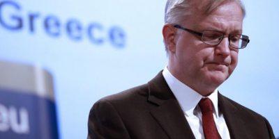 El comisario europeo de Asuntos Económicos y Monetarios, Olli Rehn, ofrece hoy una rueda de prensa en la sede de la Unión Europea en Bruselas (Bélgica). EFE