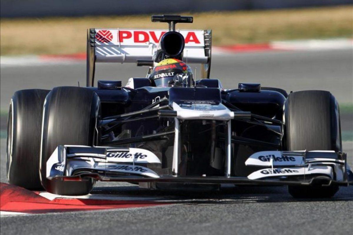 El piloto venezolano Pastor Maldonado, de la escudería Williams, rueda hoy con su coche durante la tercera jornada de entrenamientos oficiales que se celebra esta semana en el Circuit de Cataluña, en Montmeló, preparatorios para el Mundial de Fórmula Uno. EFE