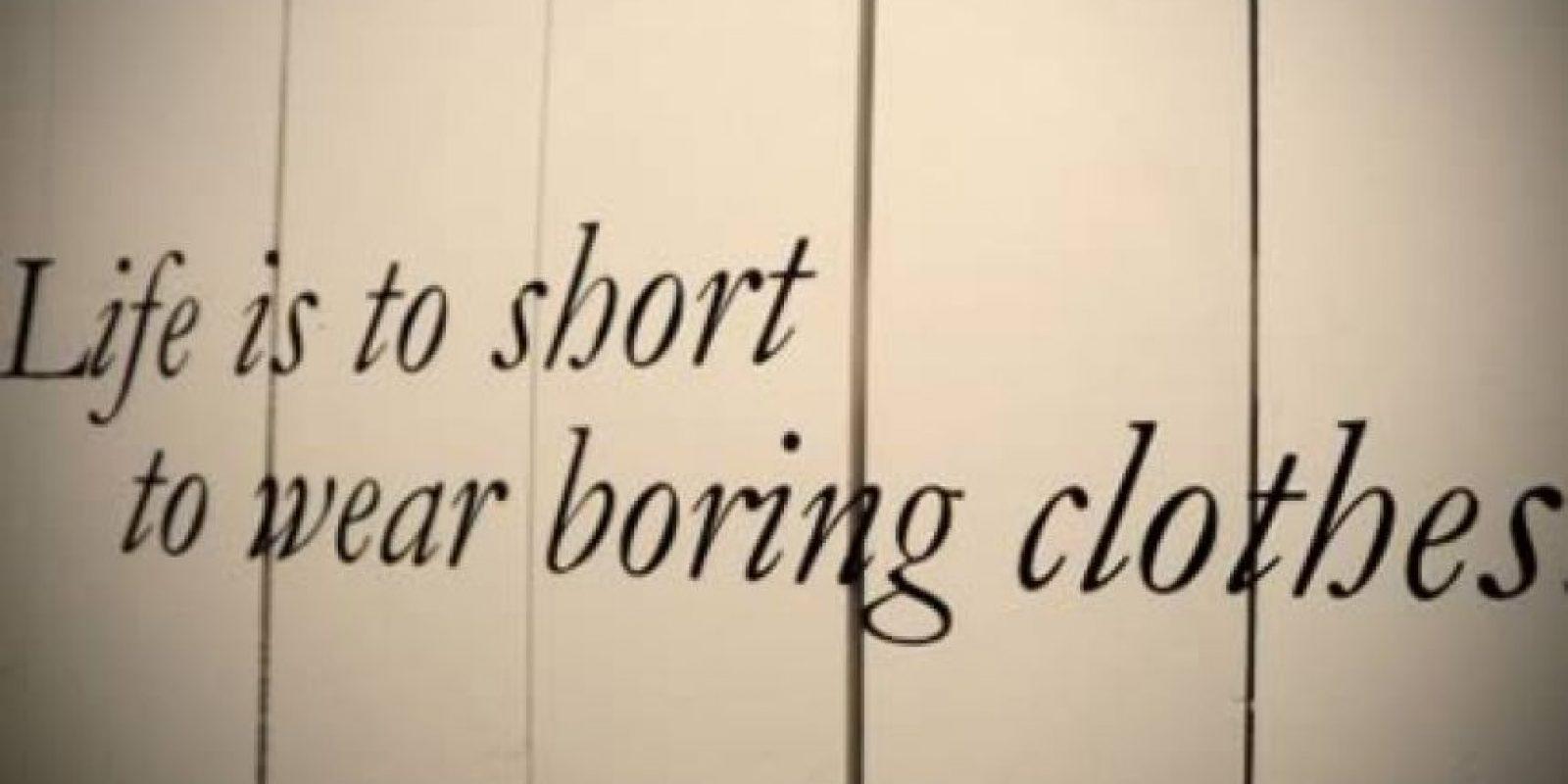 (La vida es muy corta para vestir ropa aburrida) – Seguramente eso lo escribió Lady Gaga Foto:oddee.com