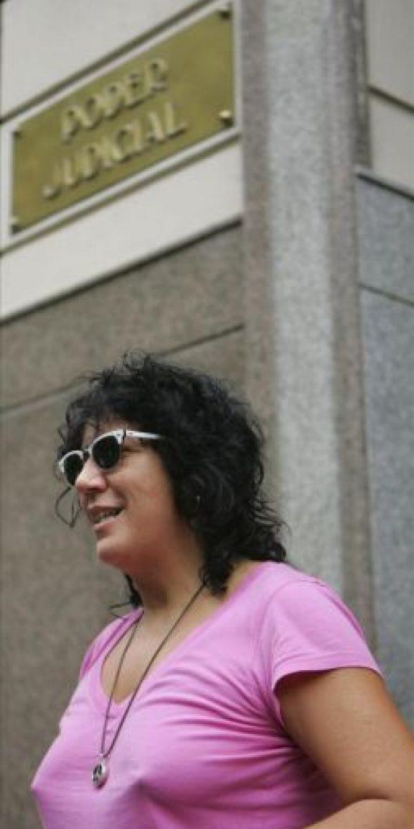 La cantante española Rosana a su llegada el 17 de noviembre de 2009, a un juzgado de Montevideo (Uruguay), para declarar en el caso que se le adelanta por presunto plagio, después de ser demandada por parte de los compositores uruguayos Roberto Da Silva y Alberto Triunfo. EFE/Archivo