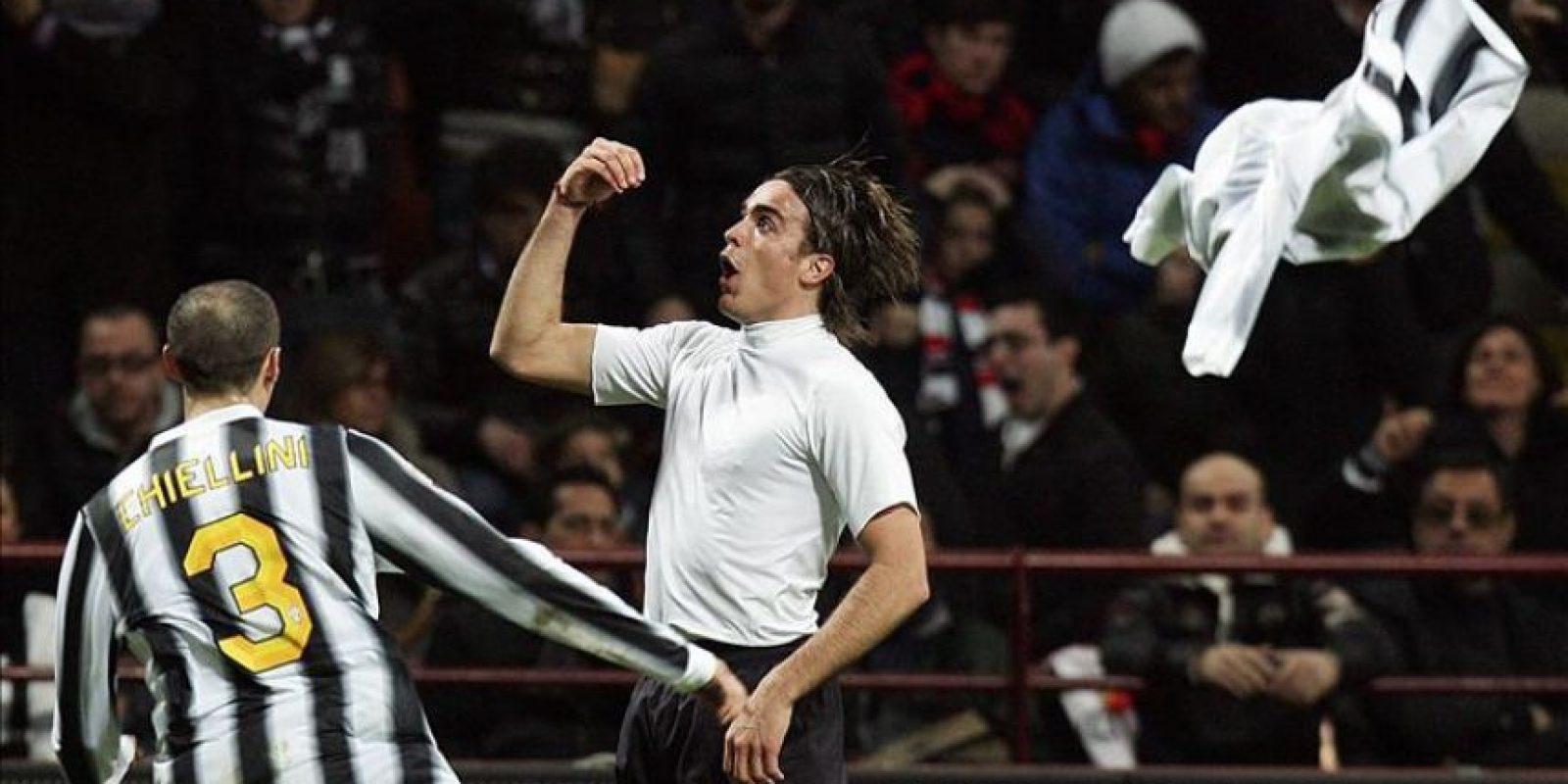 El jugador de la Juventus Alessandro Matri celebra su gol ante el Milán durante el partido de la Serie A italiana en el estadio Giuseppe Meazza de Milán (Italia). EFE