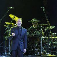 El cantante mexicano Luis Miguel se presenta en concierto este sábado 25 de febrero de 2012, en el nuevo recinto de espectáculos Arena México, en la capital mexicana, donde más de 17 mil personas asistieron al espectáculo. EFE