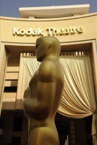 Continúan los preparativos horas antes de que de comienzo la edición número 84 de los Óscar, la gran ceremonia del cine, tendrá lugar este domingo desde el centro Hollywood y Highland, de Los Ángeles. EFE