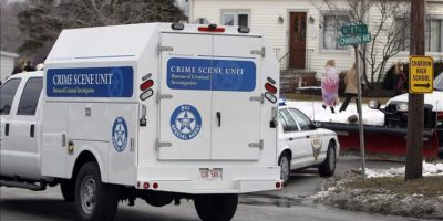 Llegada de servicios médicos al instituto de Chardon, Ohio (EE.UU.). Al menos cinco estudiantes resultaron heridos en un tiroteo en el instituto de Chardon, Ohio (EE.UU.), y el supuesto autor de los disparos, al parecer otro alumno, ha sido detenido, según varias autoridades citadas por medios locales. EFE