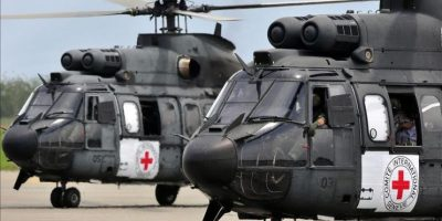 Vista de los helicópteros brasileños que irán a buscar a la selva a dos rehenes en poder de la guerrilla de las FARC, estacionados en el aeropuerto Alfonso Bonilla Aragón de Palmira, al suroeste de Colombia. EFE/Archivo