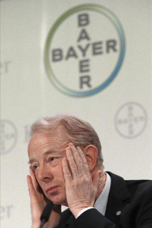 El presidente del Consejo de Dirección del grupo alemán Bayer, Marjin Dekkers, presenta los resultados obtenidos por la compañía en el 2011 durante una rueda de prensa convocada en Leverkusen (Alemania). EFE