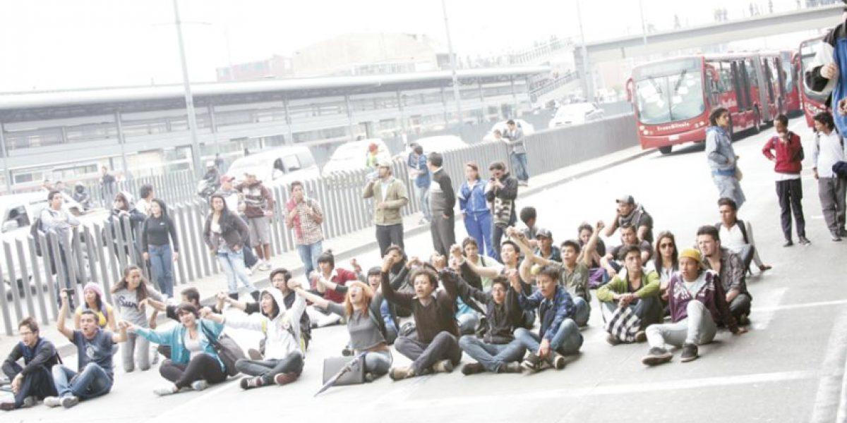 Las imágenes más impactantes de la protesta en Transmilenio