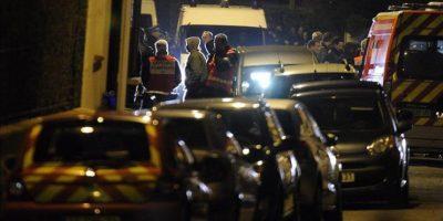 La policía francesa acordona la zona de un barrio residencial de Toulouse, Francia, donde se encuentra el presunto autor de los siete asesinatos cometidos en esa región del sur de Francia y que asegura pertenecer a Al Qaeda. EFE