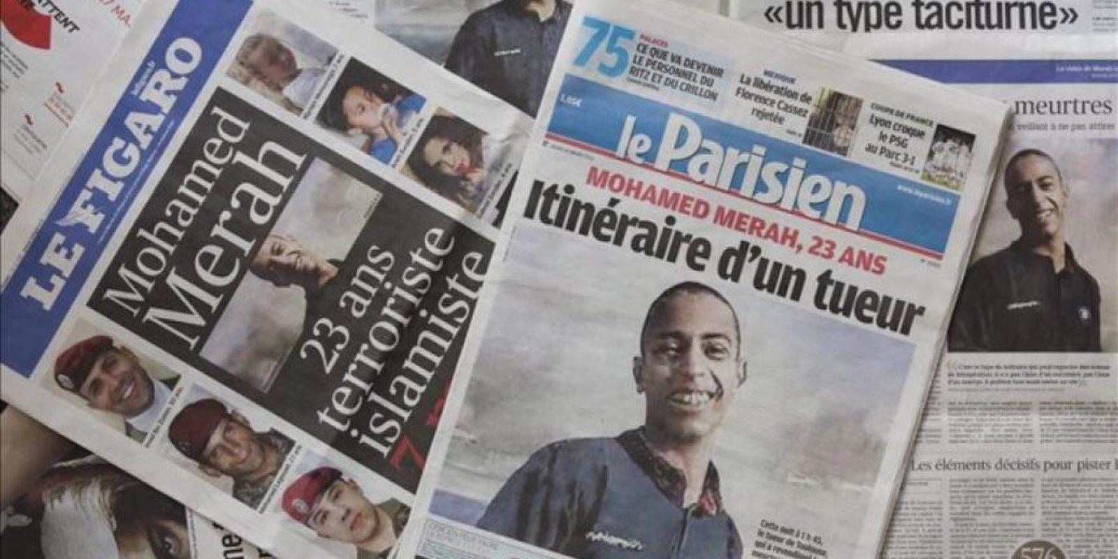 Varios periódicos franceses llevan a sus portadas hoy, jueves 22 de marzo de 2012, el retrato de Mohamed Merah, presunto autor de los asesinatos de Toulouse y Montauban. Un intenso tiroteo y al menos dos explosiones han puesto hoy punto final al cerco al asesino confeso de siete personas en Francia, después de más de 32 horas que han convulsionado la habitual tranquilidad del barrio de Cote Pavée de la ciudad francesa de Toulouse. EFE