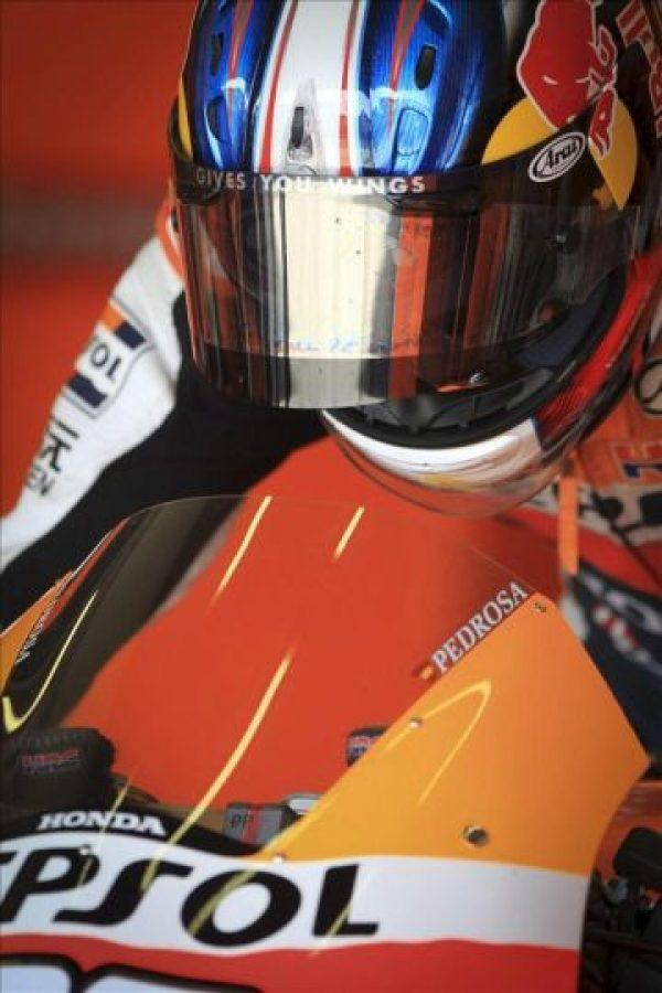 El piloto español Dani Pedrosa (Repsol Honda) antes de salir a pista hoy en el circuito de Jerez de la Frontera (Cádiz), durante la jornada de entrenamientos de pretemporada de MotoGP. EFE