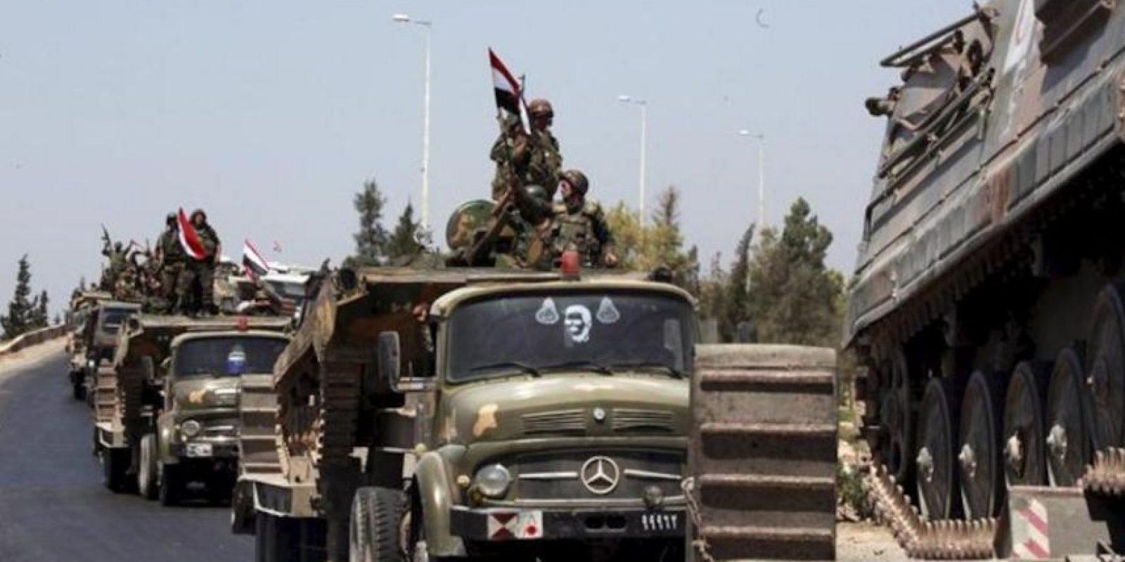 Los tanques del ejército sirio en la provincia de Hama, Siria, en agosto de 2011. EFE/Archivo