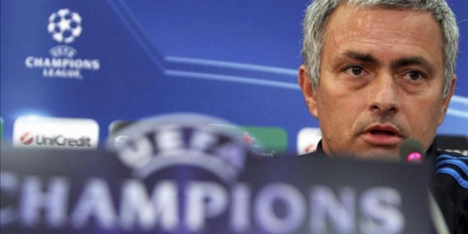 El entrenador del Real Madrid, el portugués José Mourinho, comparece hoy en una rueda de prensa en Nicosia, Chipre. El Real Madrid se enfrentará mañana al Apoel de Nicosia en partido de ida de cuartos de final de la Liga de Campeones. EFE