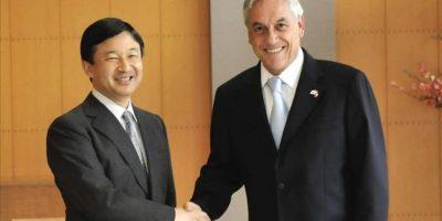 Foto cedida por la Presidencia de Chile de la audiencia ofrecida hoy, 28 de marzo de 2012, por el príncipe heredero al Trono de Japón, Naruhito, al presidente de Chile, Sebastián Piñera. EFE