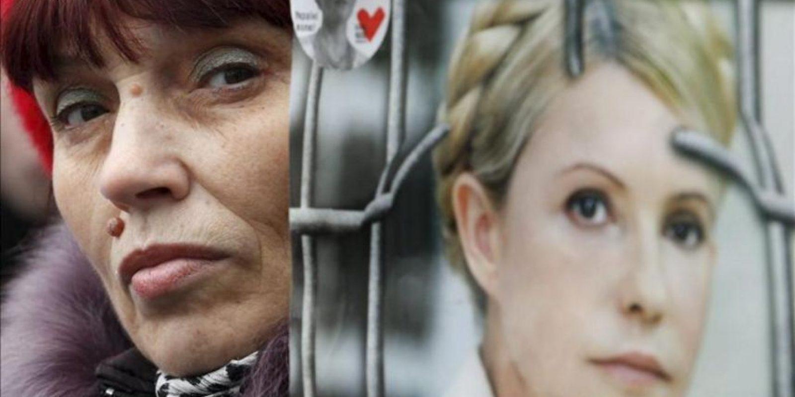 Una seguidora de la ex primera ministra y actual líder opositora encarcelada, Yulia Timoshenko, se manifiesta para pedir su libertad, hoy miércoles 28 de marzo de 2012 en Kiev, Ucrania.EFE