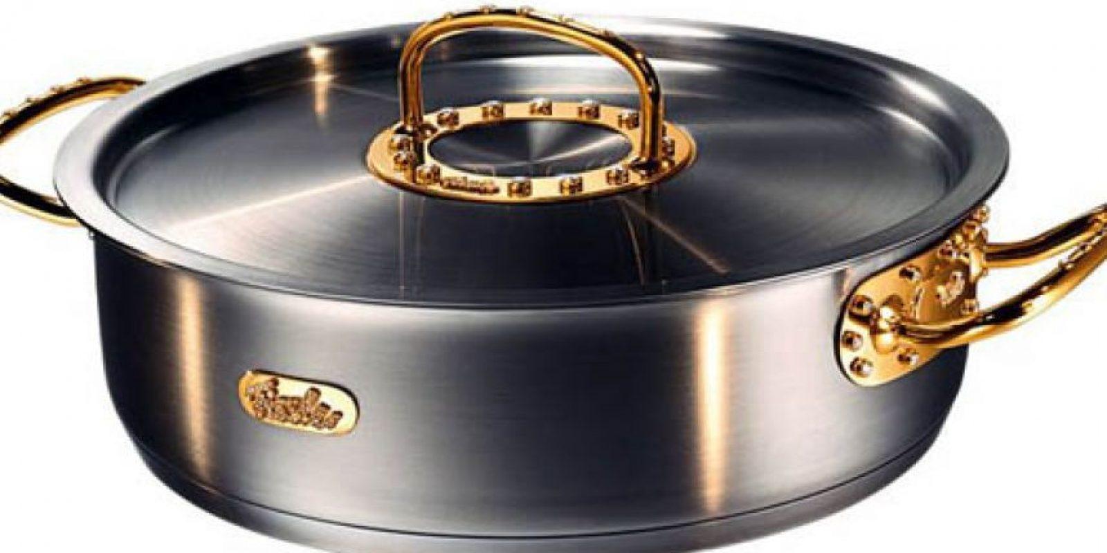 Olla de oro y diamantes. $155,000 dólares Foto:coolmaterial.com
