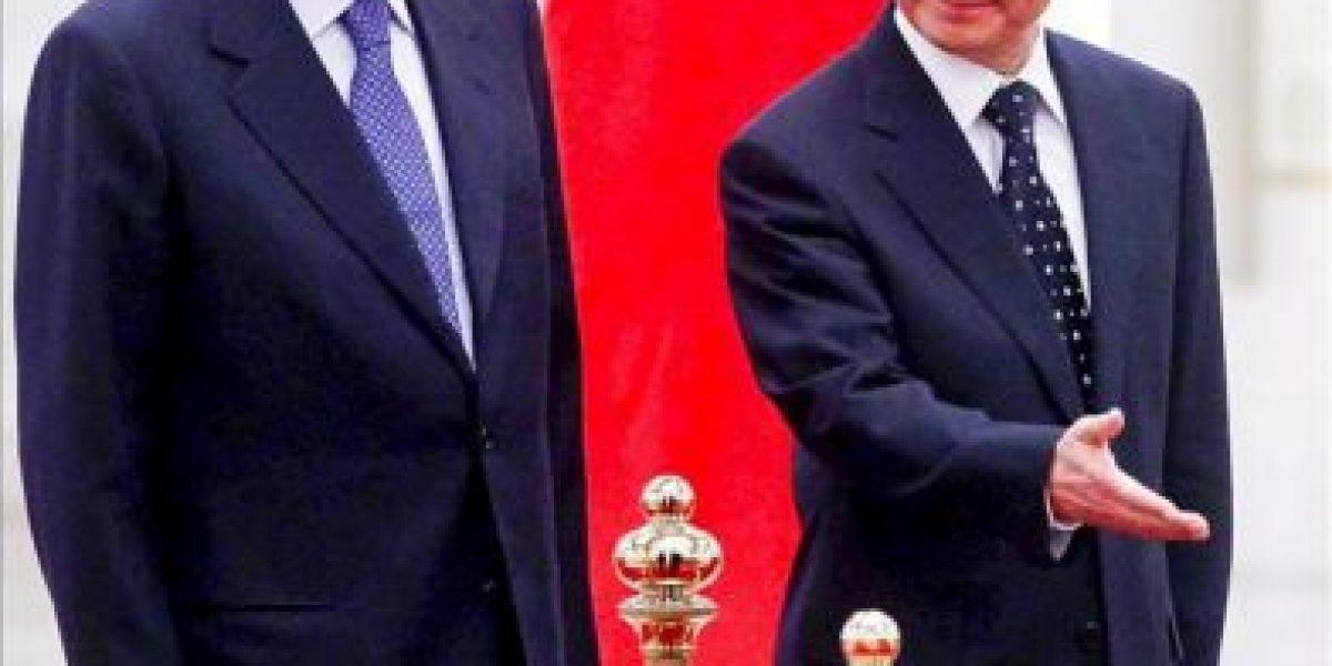 El primer ministro chino dice a Monti que confía en la economía italiana