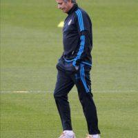 El técnico portugués Jose Mourinho, durante el entrenamiento de hoy del Real Madrid, en la ciudad deportiva del club, donde prepararon el partido que disputarán mañana ante el Apoel Nicosia correspondiente a la vuelta de los cuartos de final de la Liga de Campeones. EFE