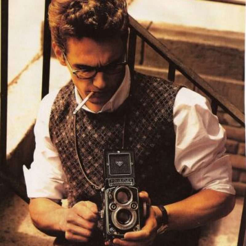 James Franco con una Rolleiflex.