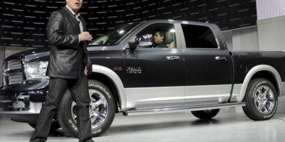 Fred Diaz, presidente y consejero delegado de RAM Truck, y Chrysler de México, toma la palabra durante la presentación del Dodge RAM 2013 en el Salón del Automóvil de Nueva York. EFE