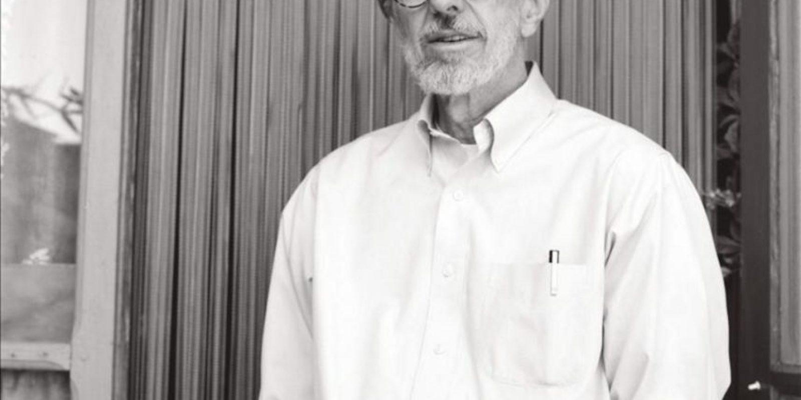 Imagen del dibujante Robert Crumb, de 2011, cedida por el Museo de Arte Moderno de la ciudad de París a quien este centro le dedica una amplia retrospectiva sobre las cinco décadas que el estadounidense lleva instalado en la provocación. EFE