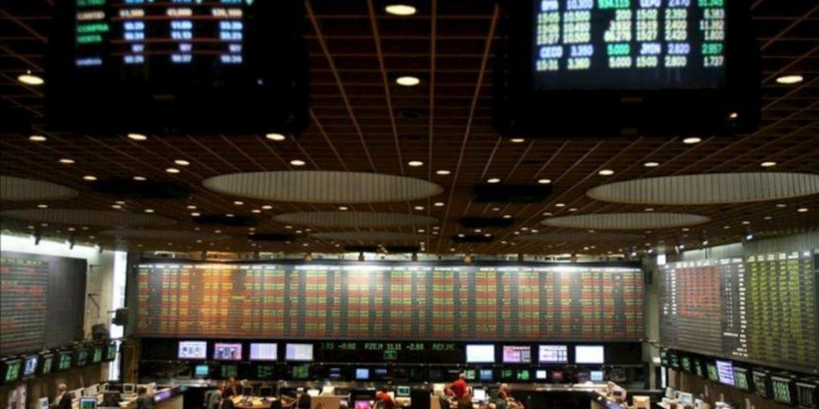 A las 11.32 hora local (14.32 GMT), los títulos de YPF se negociaban a 117,40 pesos (26,6 dólares) por unidad. EFE/Archivo