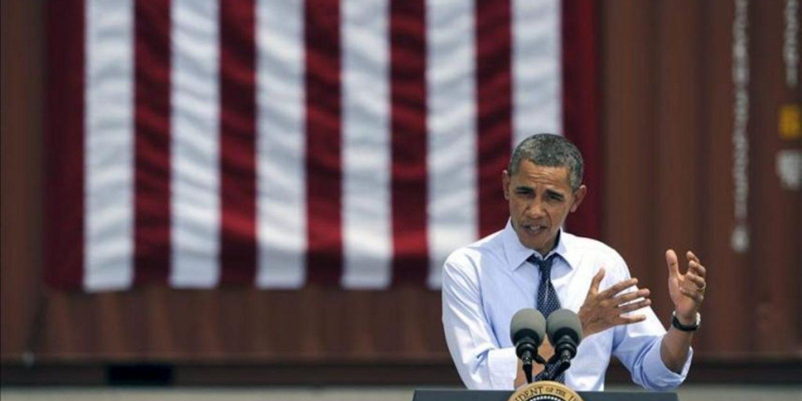 El presidente de Estados Unidos, Barack Obama, pronuncia un discurso para hablar de la importancia de las relaciones comerciales con Latinoamérica en el puerto de Tampa, Florida (USA), este 13 de abril. EFE