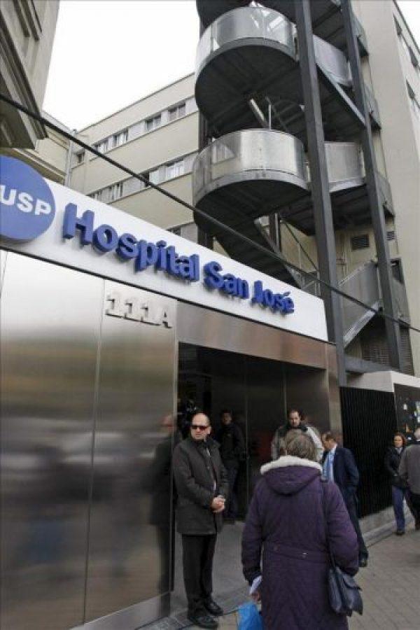Entrada principal del hospita donde el rey Juan Carlos se recupera con éxito, ya en una habitación de planta, de la intervención quirúrgica a la que ha sido sometido en este centro sanitario, como consecuencia de una fractura de cadera. EFE