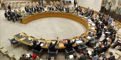Imagen cedida por la ONU. Una vista general del Consejo de Seguridad de la ONU mientras adoptan la resolución 2042 que autoriza el envío de 30 observadores internacionales para vigilar el cumplimiento del plan de paz por el Gobierno sirio y la oposición, en Nueva York, EE.UU.. EFE