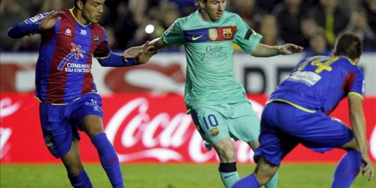 1-2. El Barça remonta ante un buen Levante y mantiene viva la Liga