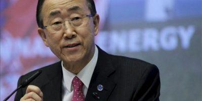 El secretario general de Naciones Unidas, Ban Ki-moon, interviene durante la Cumbre de Energía Sostenible que se celebra en Bruselas (Bélgica), hoy, lunes 16 de abril de 2012. EFE